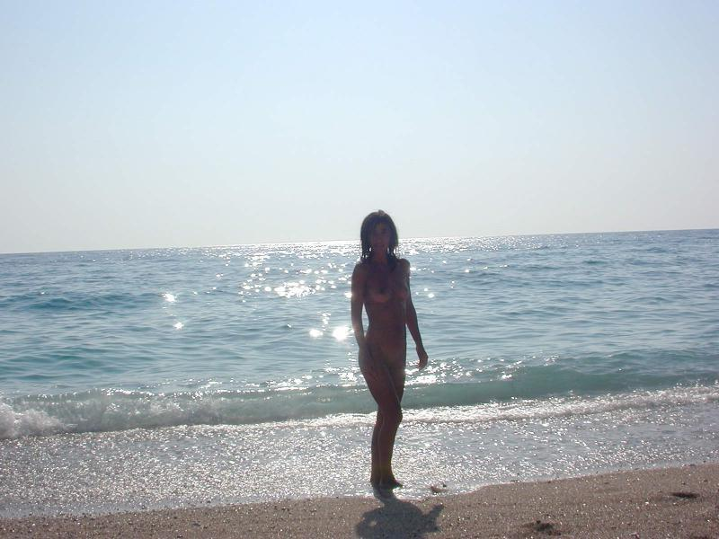 ... Watch my GF beautiful nude pics from our exotic vacation-5 ...