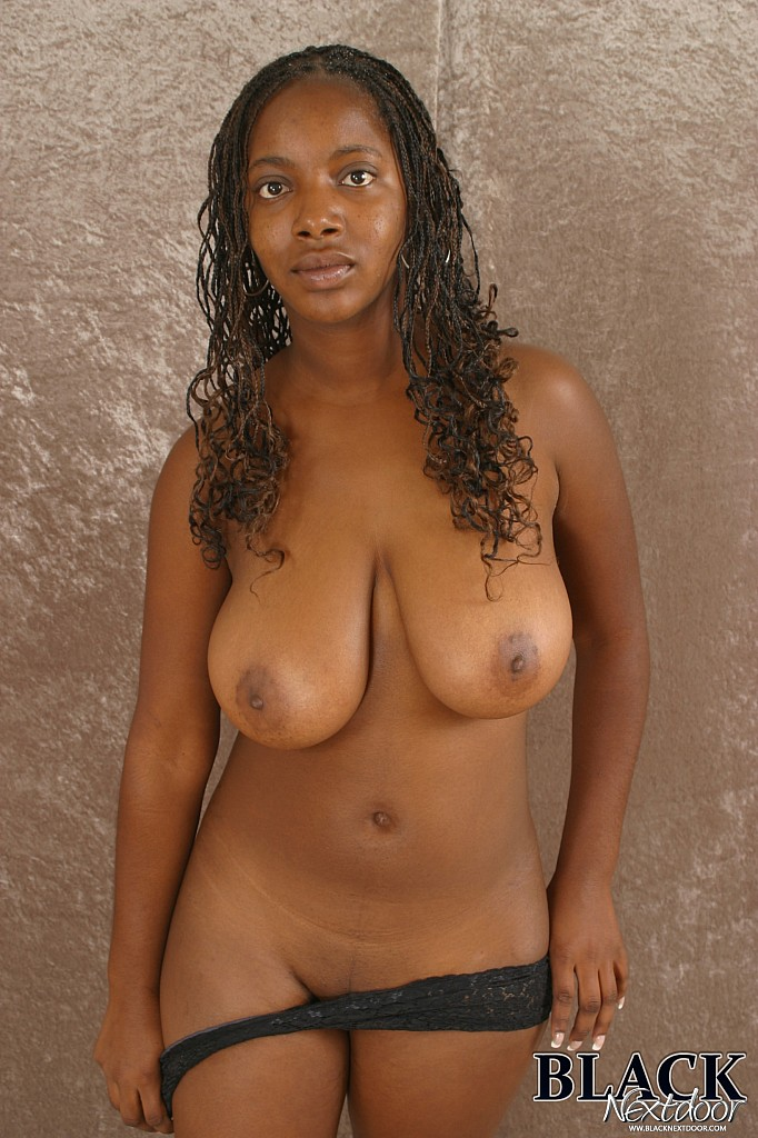 Amateur Black Girl With Big Tits Poses Naked-1170